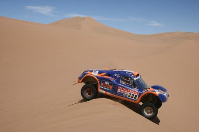 Caméra embarquée dans le buggy du Dakar 01